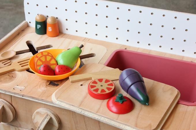 てづくり木製ままごとキッチン イメージ2